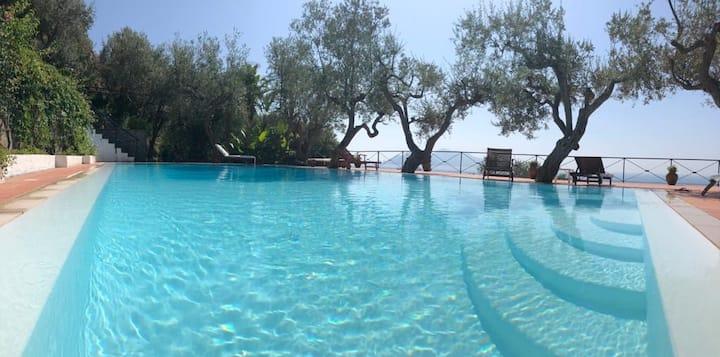 Enchanted Villa With Breathtaking Sea Views