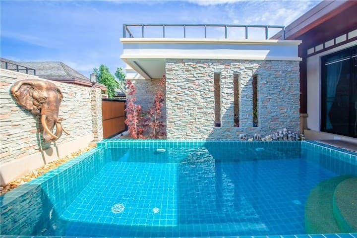 Rawai beach 2 bedrooms villa with swimming pool