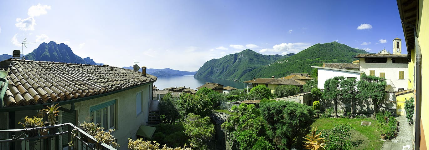 Apartment with garden and lake view - Riva di Solto - Daire