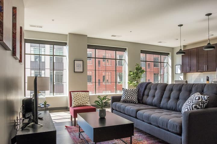 Chic Downtown Loft | Walk to Scioto Mile + Commons