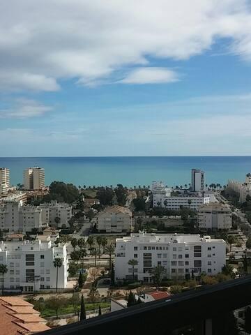 Estudio con preciosas vistas a la bahía de Málaga.