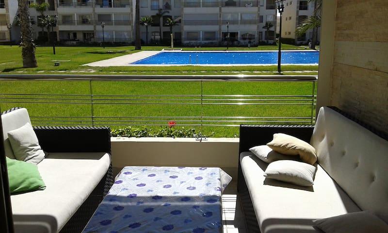 Bel appartement à Ola Blanca  Vue sur piscine
