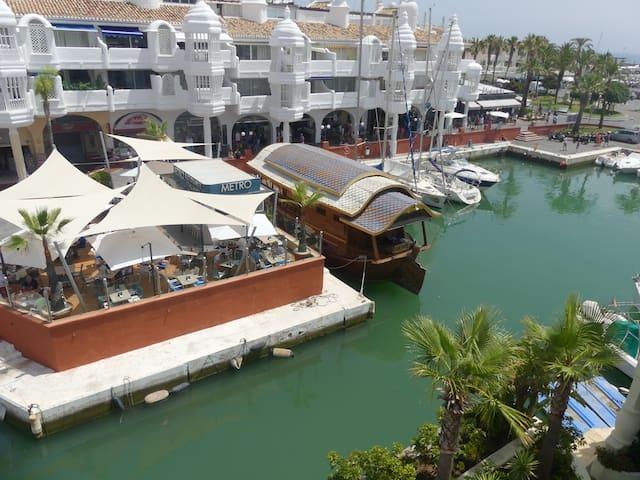 Benalmádena Puerto Marina- Holiday Rentals Island