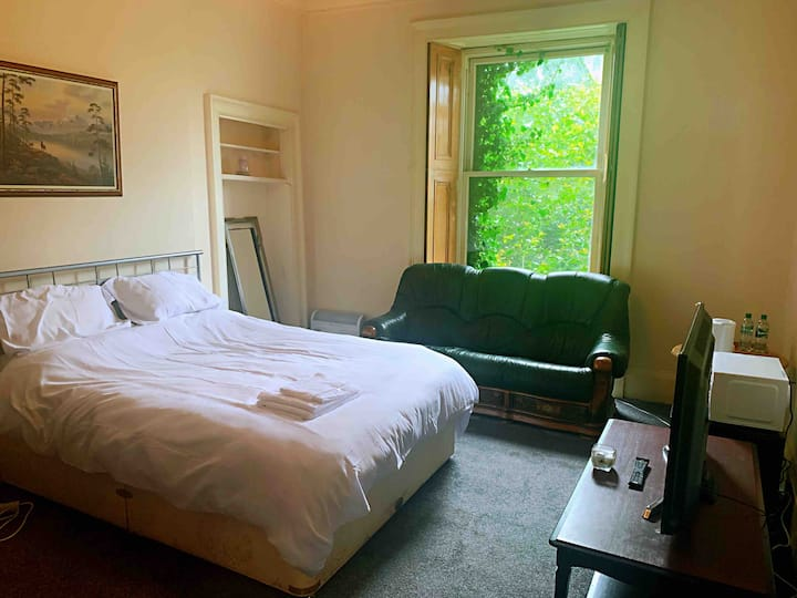 Excellent center double room C super quiet