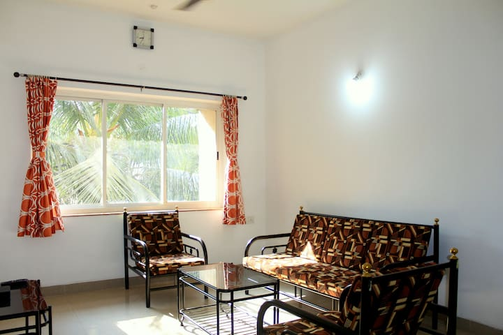 ⭐Fabulous 1BHK 🏠With Wi-Fi ⚡Near Baga⭐