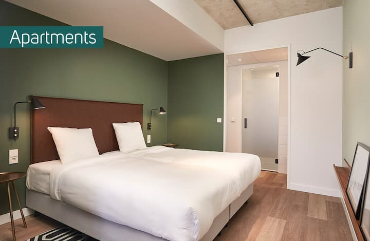 Modern Apartment near the Airport - 3 People (Free Shuttle)