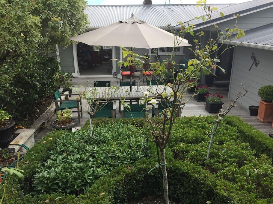Garden & outside living