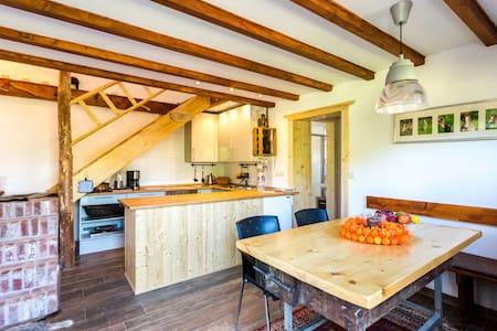 Kleines freistehendes Ferienhaus - Cabanya