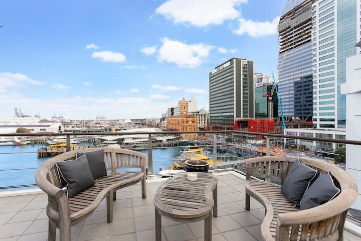 Sunny Deck in AKL - 180 degree city & ocean views