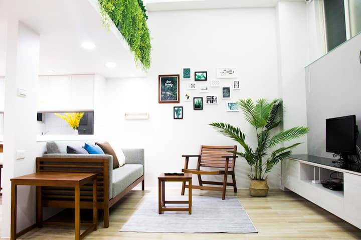 Best location Luxurious Duplex 5min Xinyi Anhe