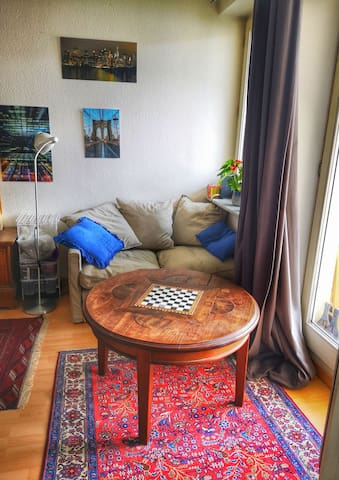 Cozy Flat near City Centre with Balcony