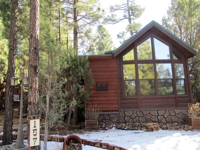 Smiths Saddlebag Cabin-White Mountain Vacation Village Show Low