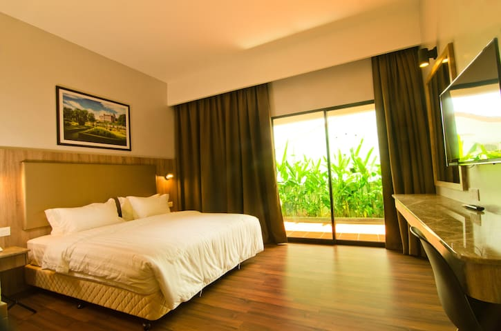 King Room with Garden I