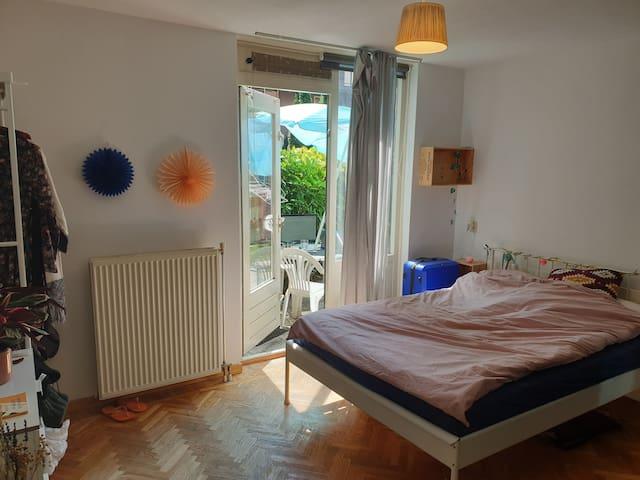 Nice room with a garden