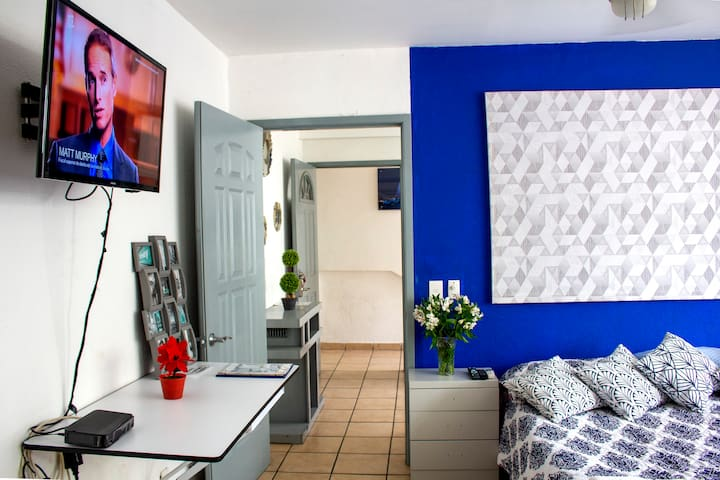 Centrally Located Apartment in the Romantic Zone