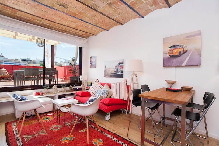 BARCELONA| NICE ATTIC STUDIO IN CITY CENTER