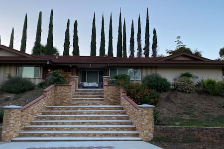 3 bedroom 2 bath guest house in Carbon Canyon