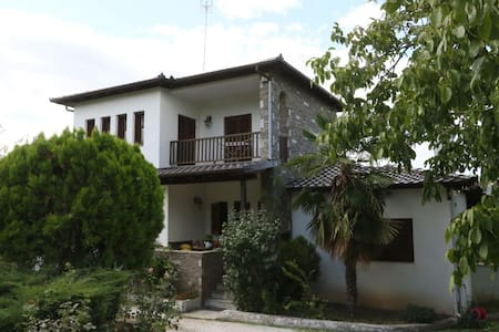 Homely, comfortable villa on the Veria outskirts
