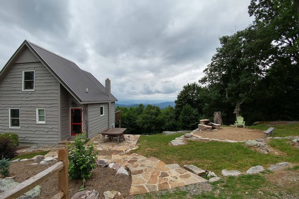 Weekend getaway with gorgeous view cabins for rent in for Cabins near hendersonville nc