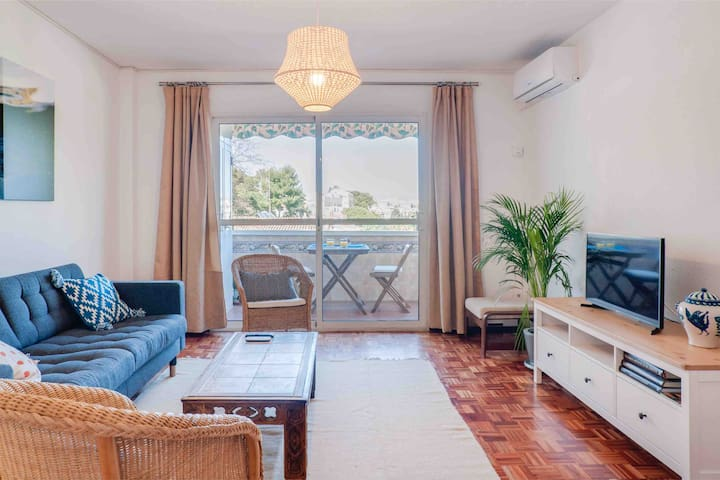 Bright and spacious  apartment, Wifi - Parking