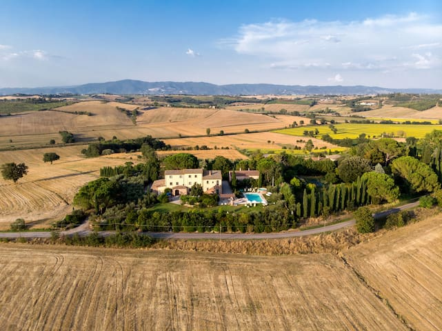 Rural farmhouse with pool | Poggio Martino