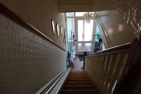 Ensuite to Let in Victorian Home - Portsmouth