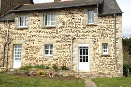 Maison en pierre à Lanvallay - Lanvallay