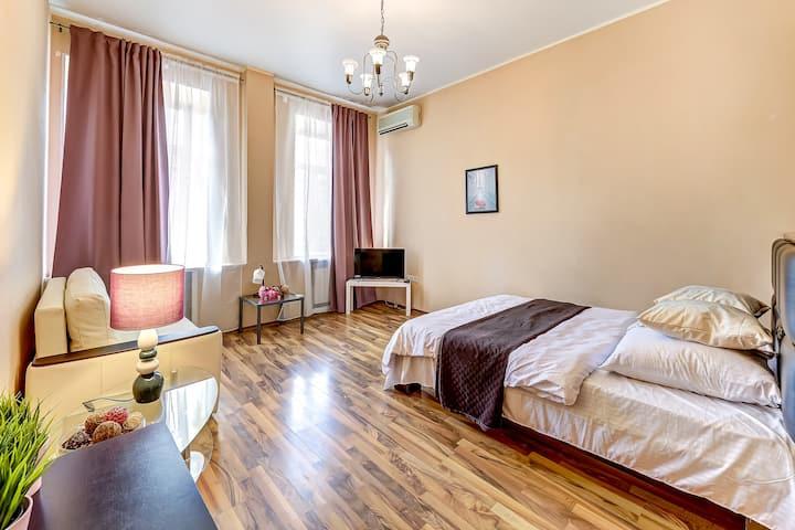 Роскошные Апартаменты в Центре Города(Рылеева 24)