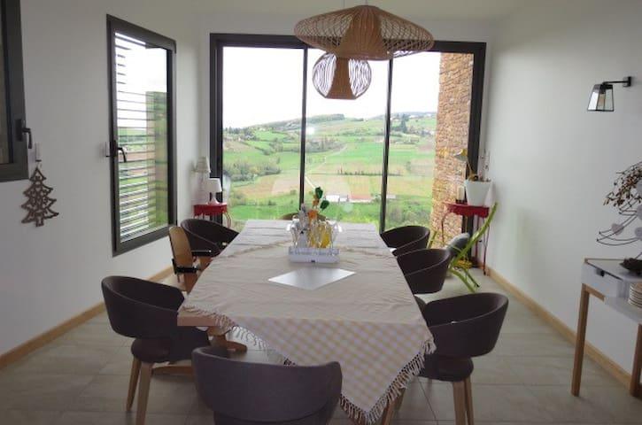 Chambre privée au Domaine viticole - Denicé - Bed & Breakfast