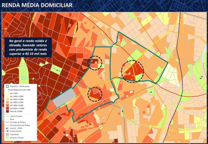 Renda média elevada. High income in the area