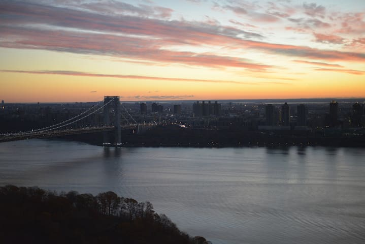 Inspired views from luxury private bedroom & bath! - Fort Lee - Apartment