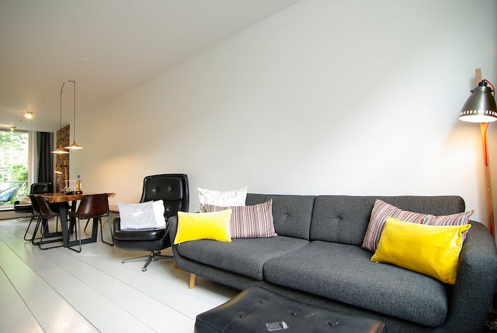 Stunning apartment with 2 bedrooms and garden!