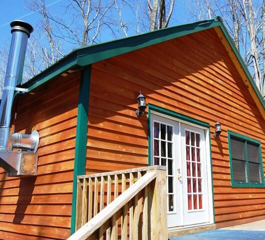 River Retreat Cabins - The Moose