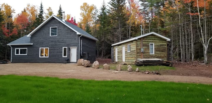 Modern 3 Bdrm Cabin On 140 Acres of Pure Nature