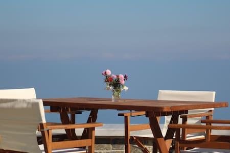 Amazing sea view guest house in Tsagkarada