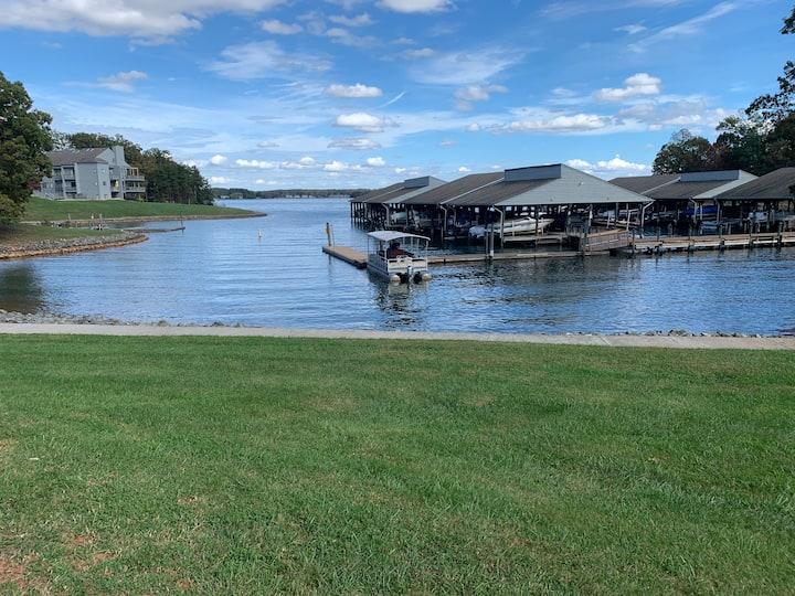 Lake Escape - Smith Mountain Lake Condo