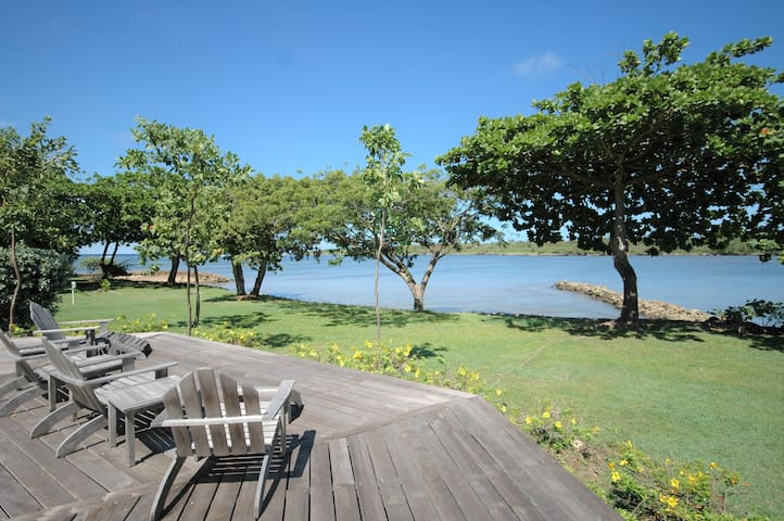 Sunny Daze - Beachfront bungalow with private pool