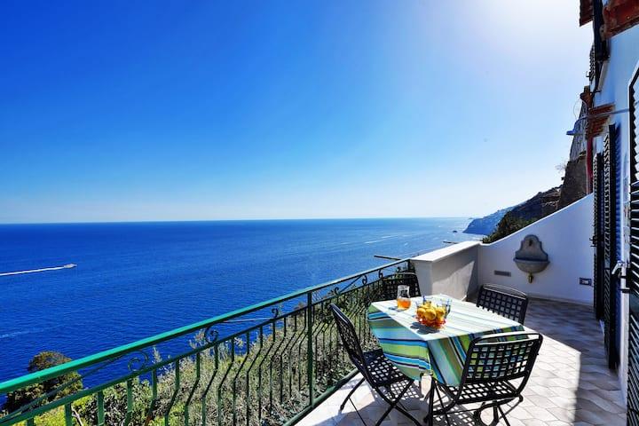 Breathtaking Seaview apartment Teresa A