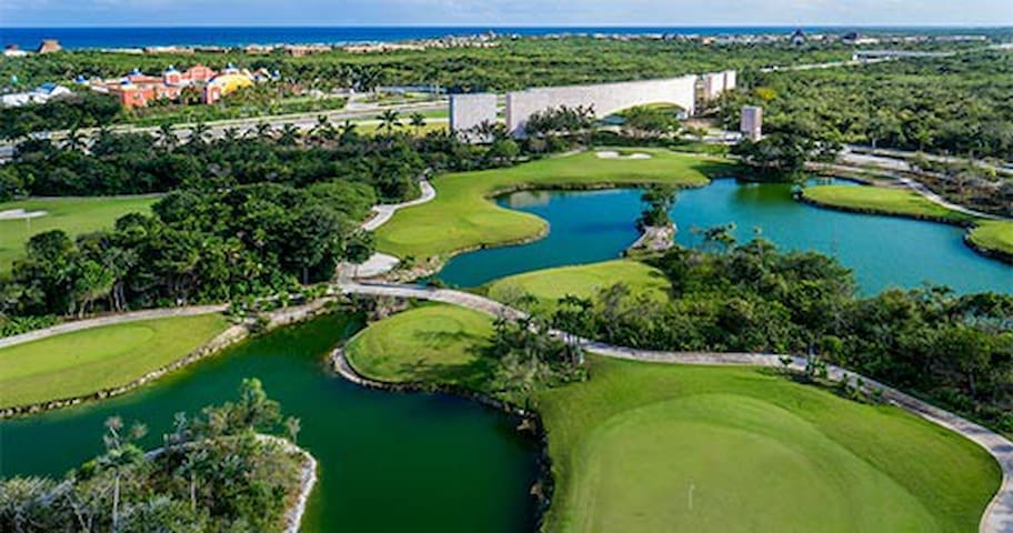 Bahia Principe Resort - Ocean and Golf
