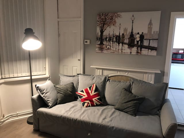 Spacious two bedroom ground floor apartment