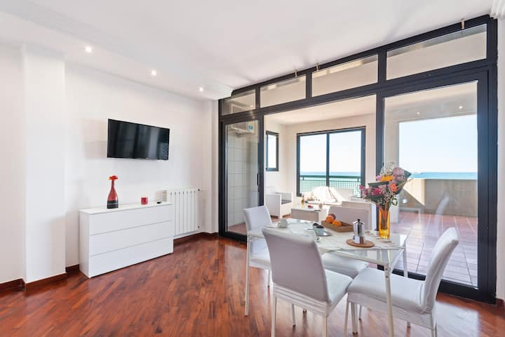 Bari Waterfront Apartment
