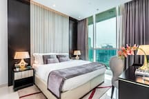 Breathtaking one Bedroom across Dubai Mall