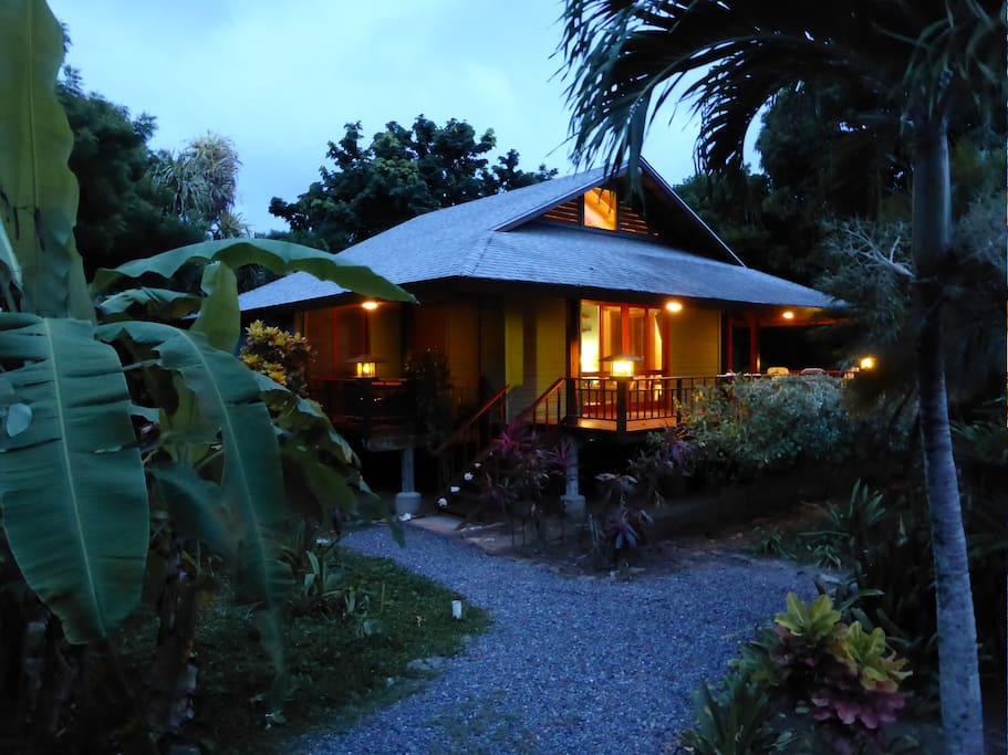 Early evening at Casa Azul Turquesa