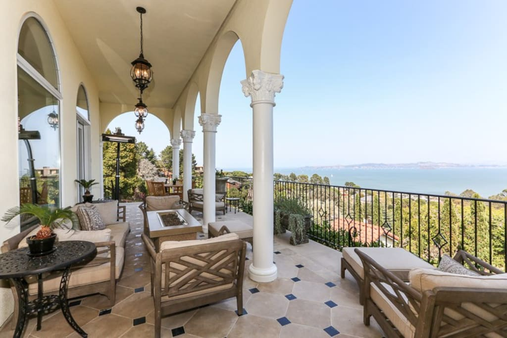 Front loggia with magnificent 180 degree views
