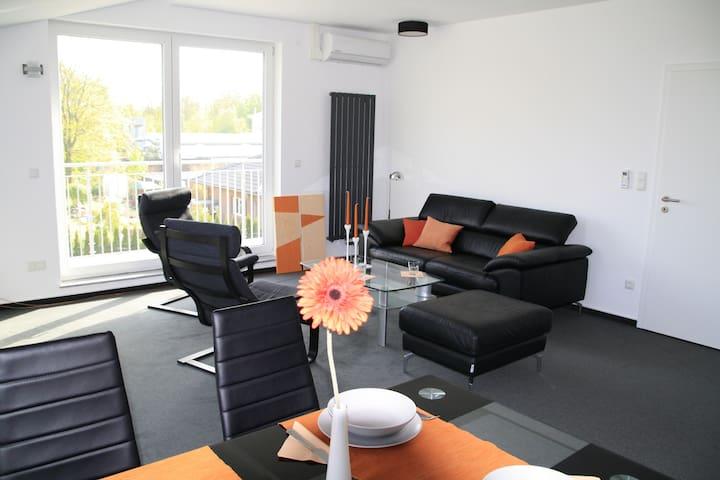 Penthouselike, 2 Luxus Zimmer mit insgesamt 80 qm!