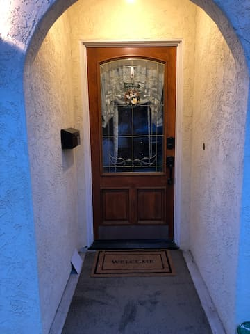 Fully private entrance
