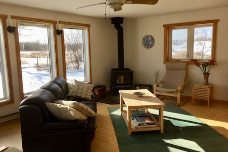 Country Haven - less than a mile to Lake Winnipeg