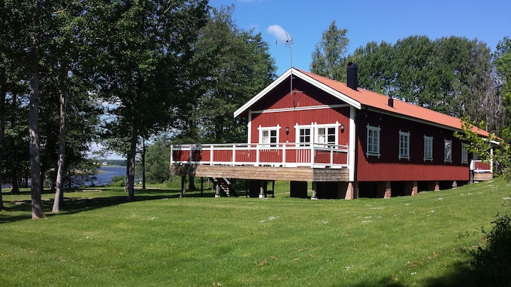 Underbara Lodge by Christineholm - 100 m. från sjö