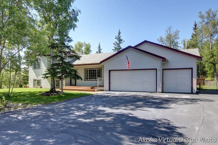 Sunny Family-Friendly Home - Wasilla - Hus