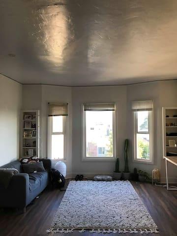 Cozy Northside Studio Apartment